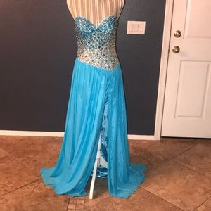 NWT TERANI Evening Gown $259